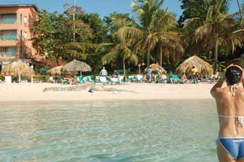 Reserve The Talanquera Beach Resort